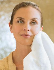 ¿Está tu Rutina de Limpieza Dañando tu Piel?